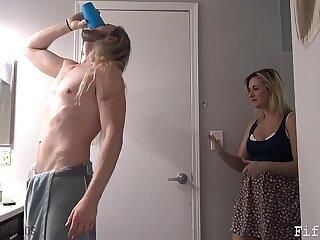 amateur blonde blowjob cougar fucking mature