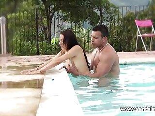 amateur bukkake fucking latina orgy pool